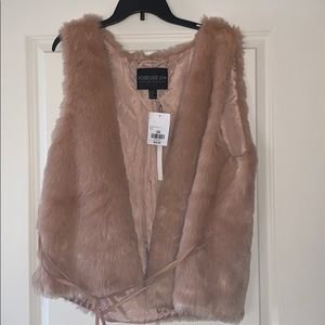 Forever 21+ NWT FUZZY VEST